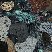 Small snapshot of Kentallanite under crossed polars from the virtual microscope