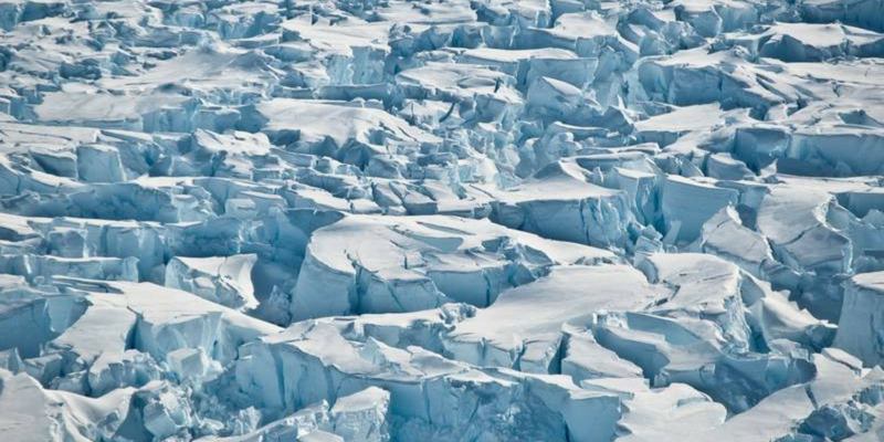 Satellites track vanishing Antarctic ice