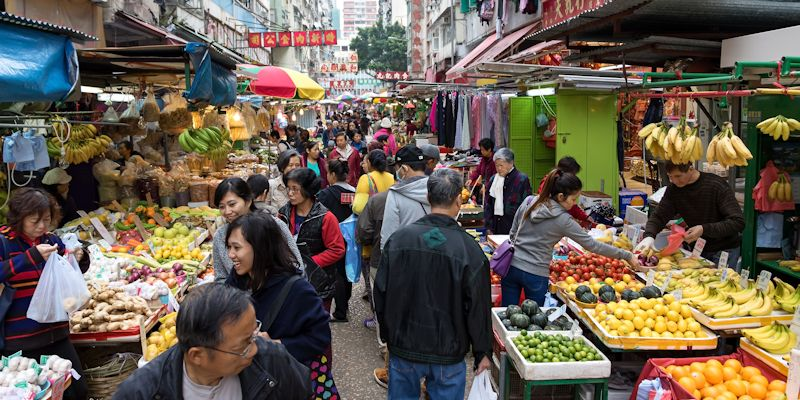 Outdoor food market in Hong Kong